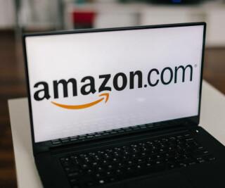 Amazon auf dem Laptop