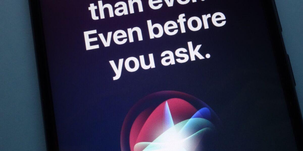 Siri-Hinweis auf iPhone-Bildschirm