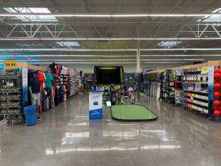 Blick-in-den-kassenlosen-Store-von-Decathlon