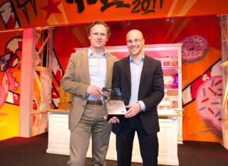 Im Blitzgespräch: v.l. Finalist Björn W. Schäfer, Gründer Lokalgold.de, und Daniel Grözinger, Geschäftsführer Dealjäger