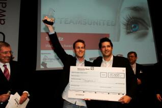 Die strahlenden Gewinner des Abends: Teamsunited