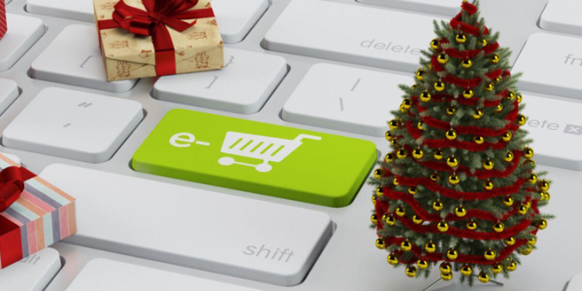 Geschenke auf einer Tastatur