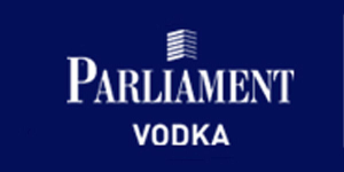Rau und Glamourös: russischer Vodka im Netz