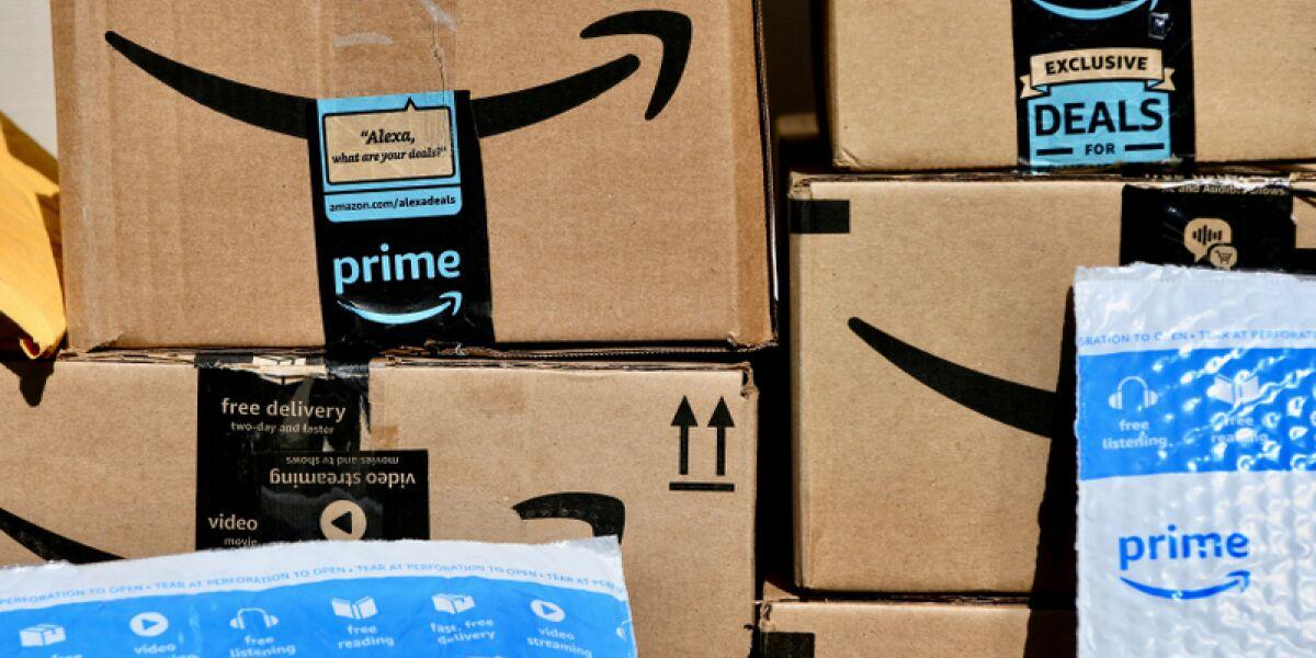 Pakete von Amazon Prime
