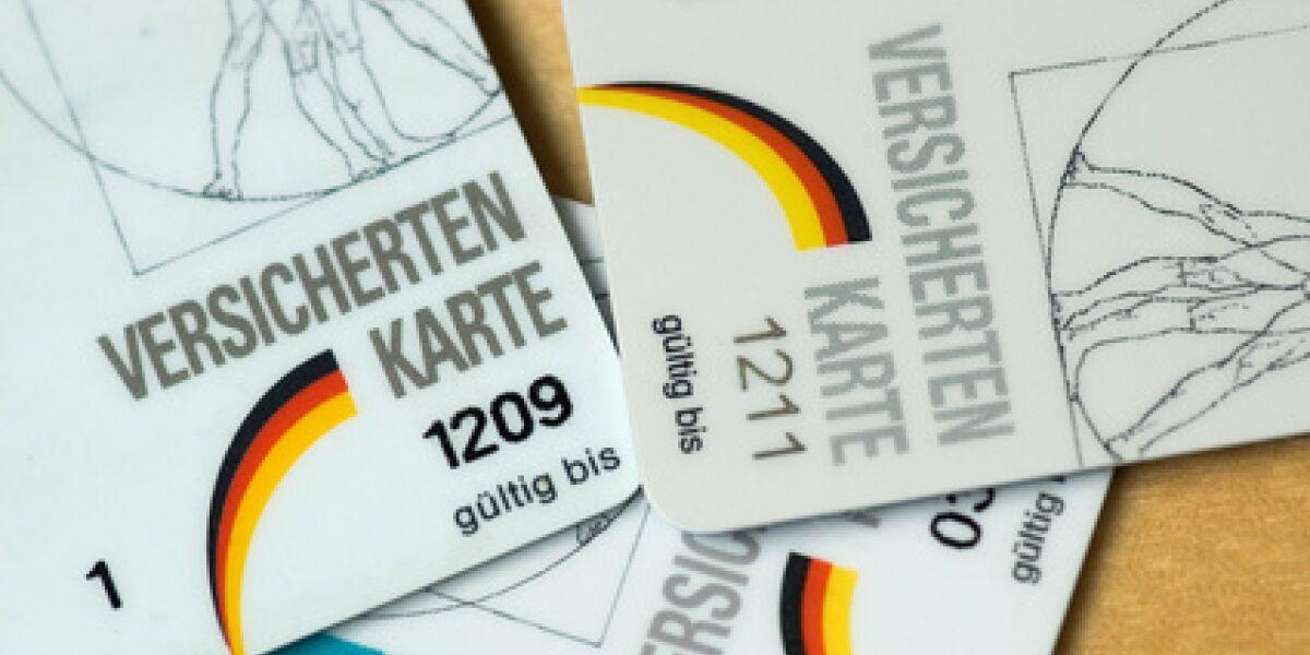 Nur jeder zehnte Internetnutzer versichert sich online (Foto: Fotolia.de/Mikel Wohlschlegel)