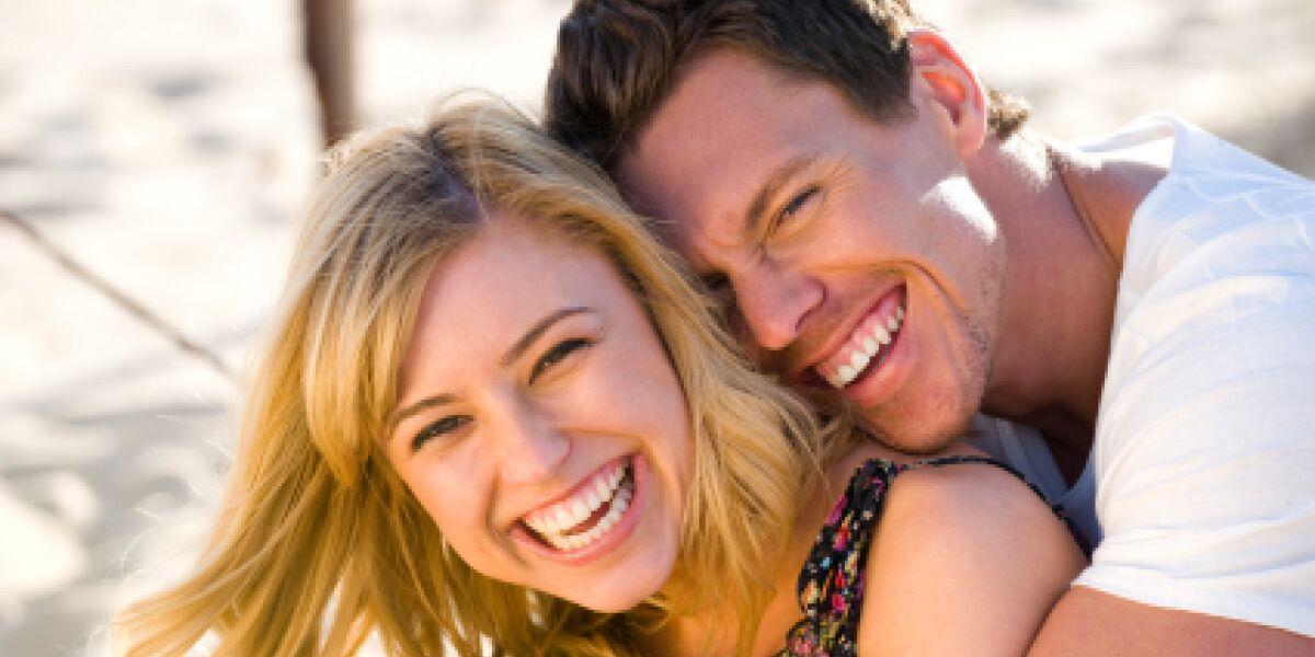 Dating per Mausklick (Foto: iStock/courtneyk)