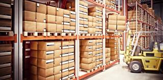 Stapelfahrzeug Lager Kisten Kartons Pakete Warenlager