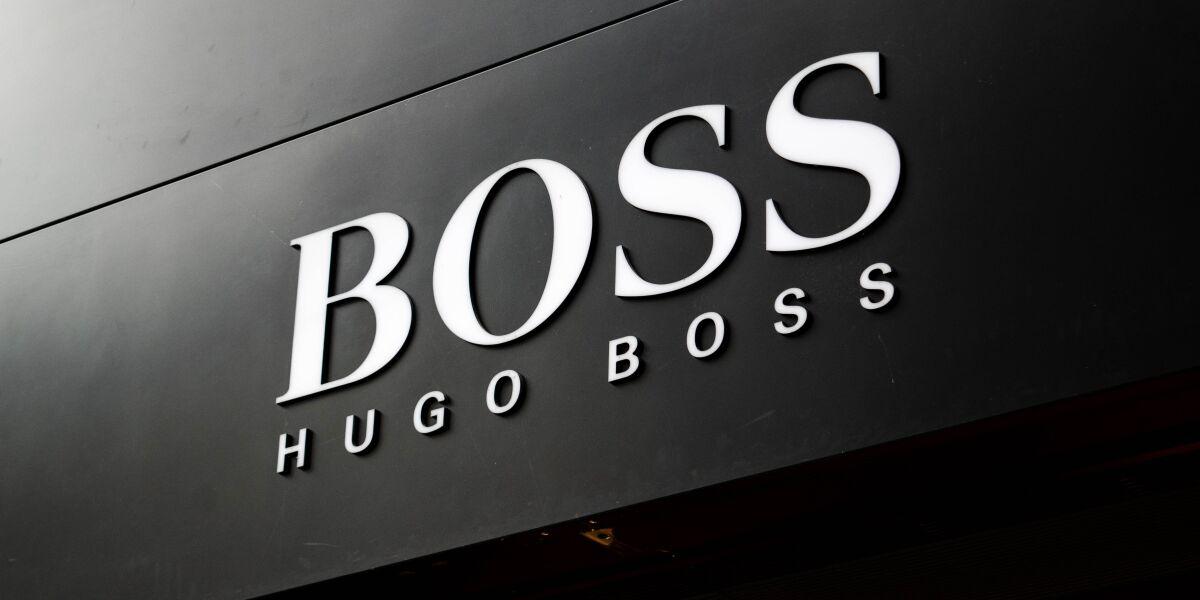 Hugo Boss Logo an Hauswand