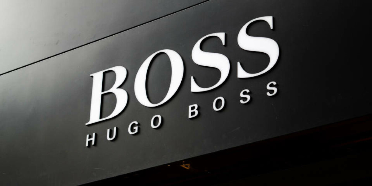 Hugo Boss Logo an Hauswand
