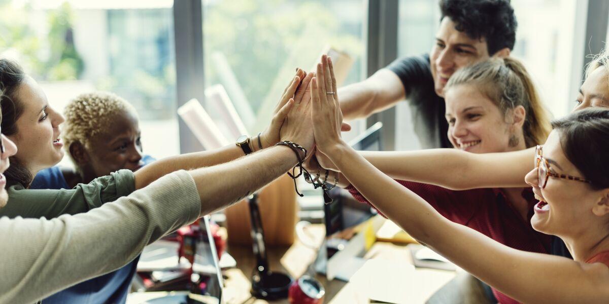 Teamwork Arbeitswelt positive Eigenschaften