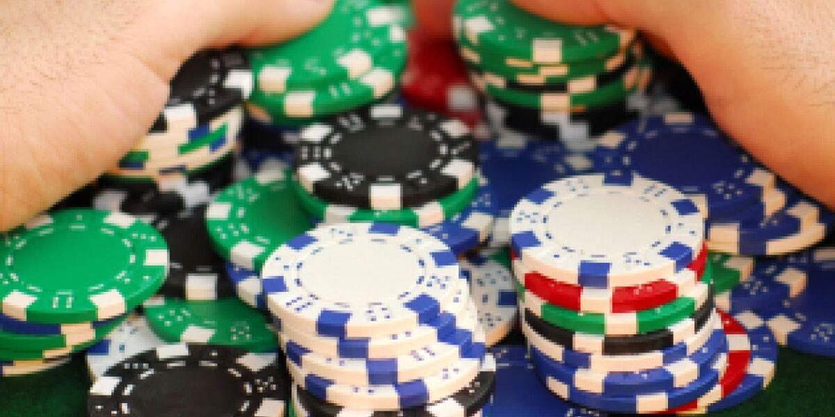 Media Corp bietet gambling.com an (Foto: istock/Elenathewise)