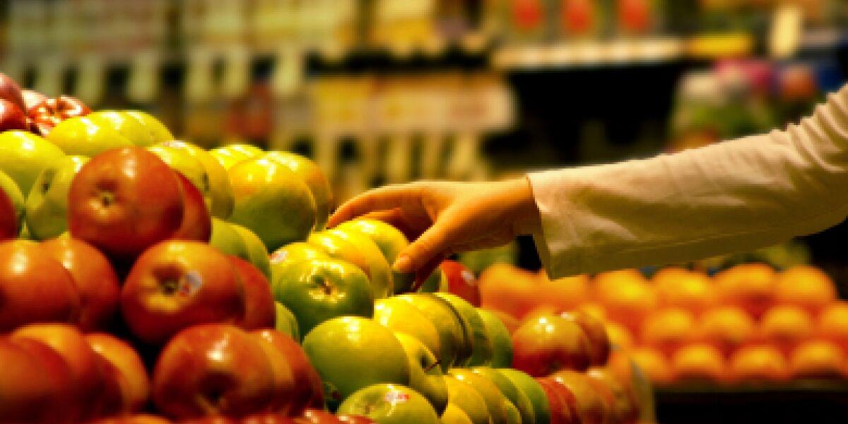 Lebensmittel online handeln (Foto: istock/Mlesna)