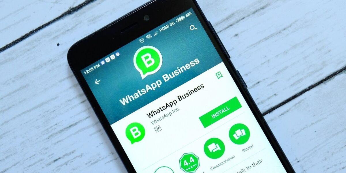 WhatsApp Business App auf Smartphone