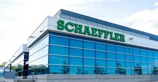 Gebäude mit Schaeffler Schriftzug