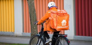 Lieferando-Kurier auf Fahrrad
