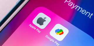 Apple Pay and Google Pay Icons auf Smartphone-Screen