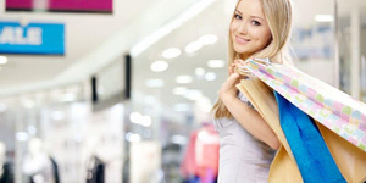 Soziale Netzwerke beeinflussen Kaufentscheidungen (Foto: fotolia.com/Deklofenak)