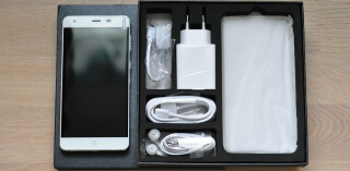 Neues Smartphone in Box