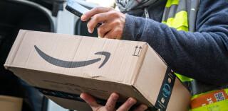 Amazon_Paket_Zustellung_Smartphone