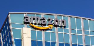 Amazon Logo an Gebäude