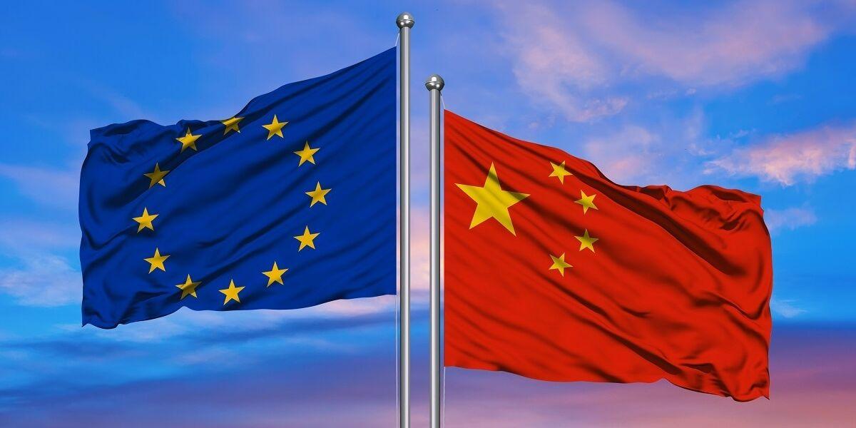 Flaggen von Europa und China