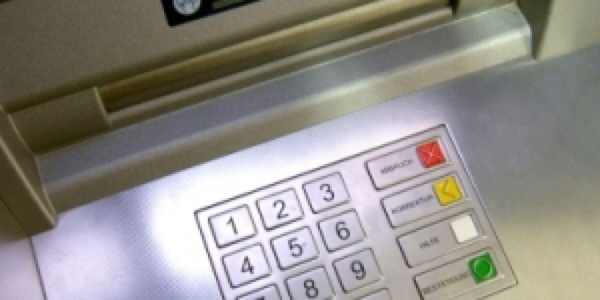ElitePartner wirbt an Bankautomaten