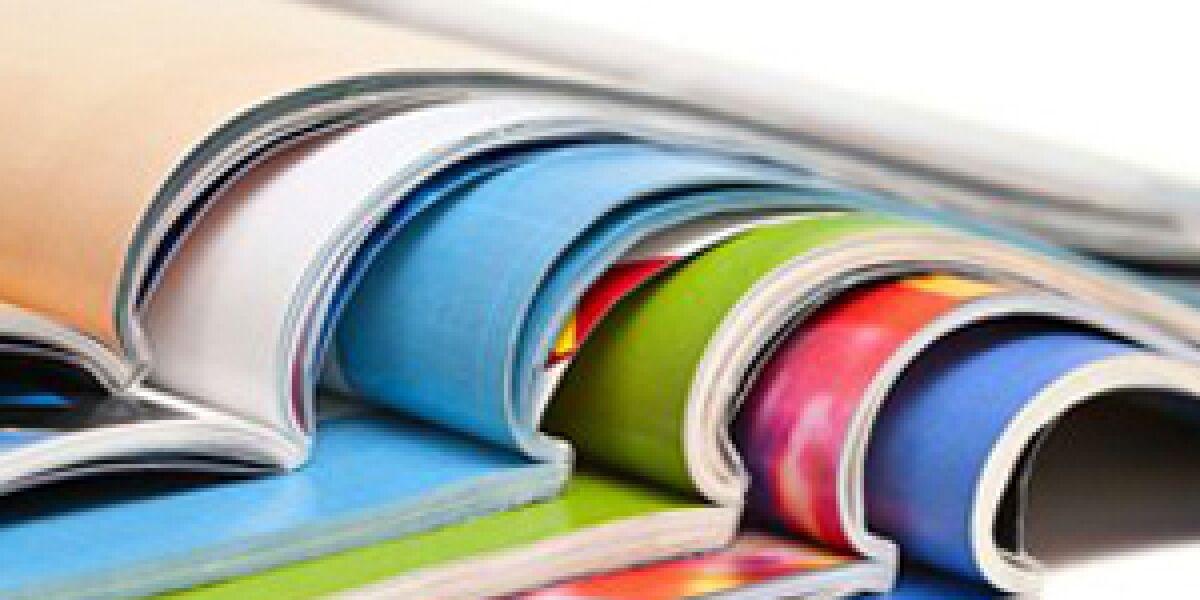 Bunte Papierbogen aufeinandergeschichtet