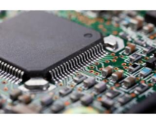 Wussten Sie schon, dass fast alle Drucker über einen speziellen Chip verfügen, dessen einzige Aufgabe darin besteht, den Drucker für immer unbrauchbar zu machen, sobald eine bestimmte Anzahl von Seiten gedruckt worden ist?