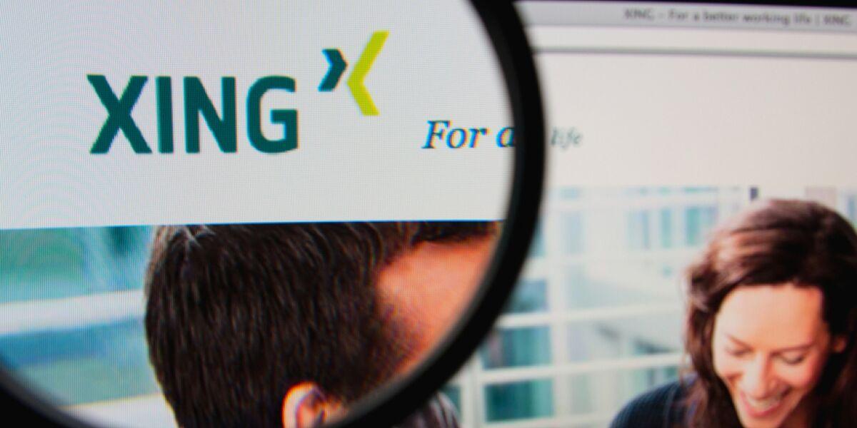 Xing Logo unter der Lupe