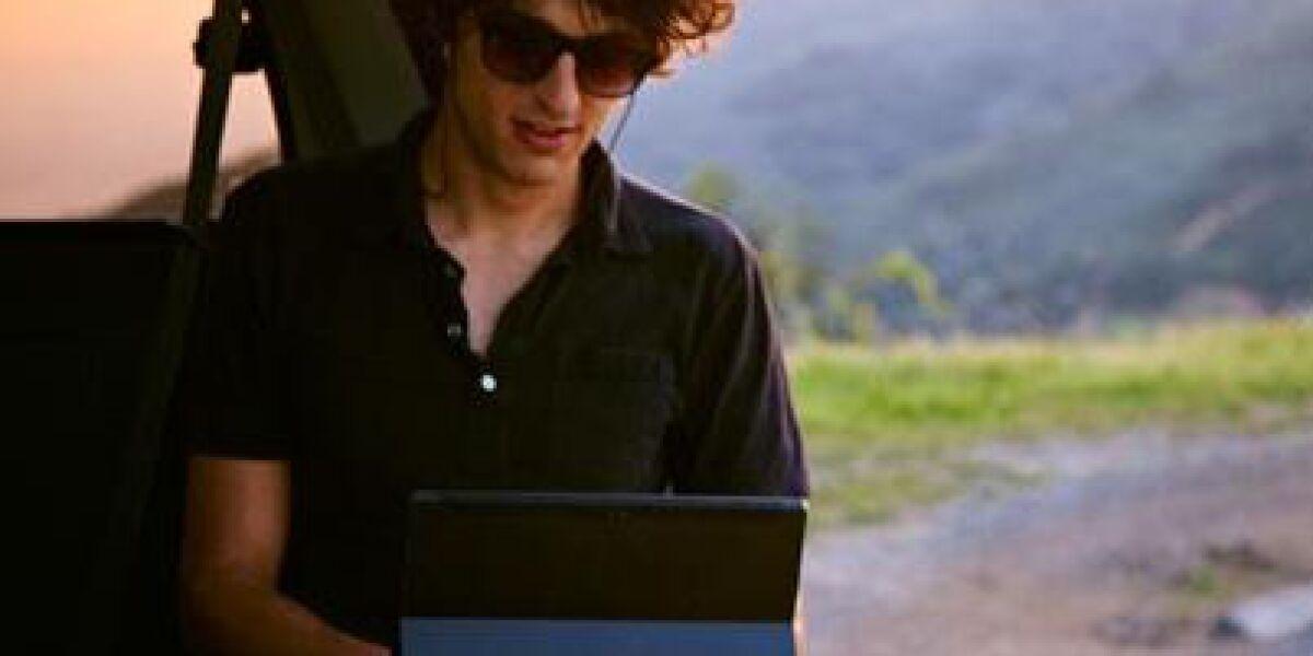Microsofts Windows-8-Tablet Surface geht in die dritte Runde: Das Surface Pro 3 ist größer, dünner und leichter – und soll Notebooks überflüssig machen.