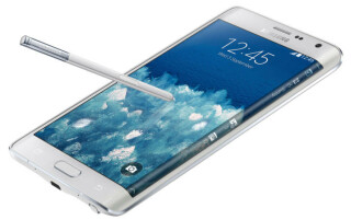Das Samsung Galaxy Note Edge hat einen 2,7-GHz-Quadcore-Prozessor sowie ein 5,6-Zoll-Display mit 2560 x 1440 Pixel Auflösung. Der Clou ist die Erweiterung des Displays am rechten Rand des Gehäuses.