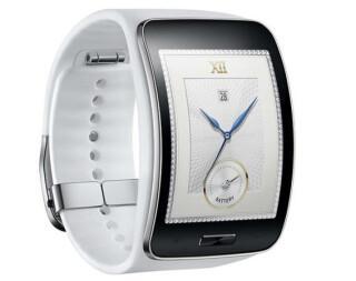 Samsung Gear S - Samsung setzt bei der Gear S auf ein gebogenes Display im 2,0-Zoll-Format mit 360 x 480 Pixel sowie auf das exotische Betriebssystem Tizen. Zudem spendieren die Koreaner der Uhr einen SIM-Kartenslot, womit die Smartwatch im Gegensatz zu d