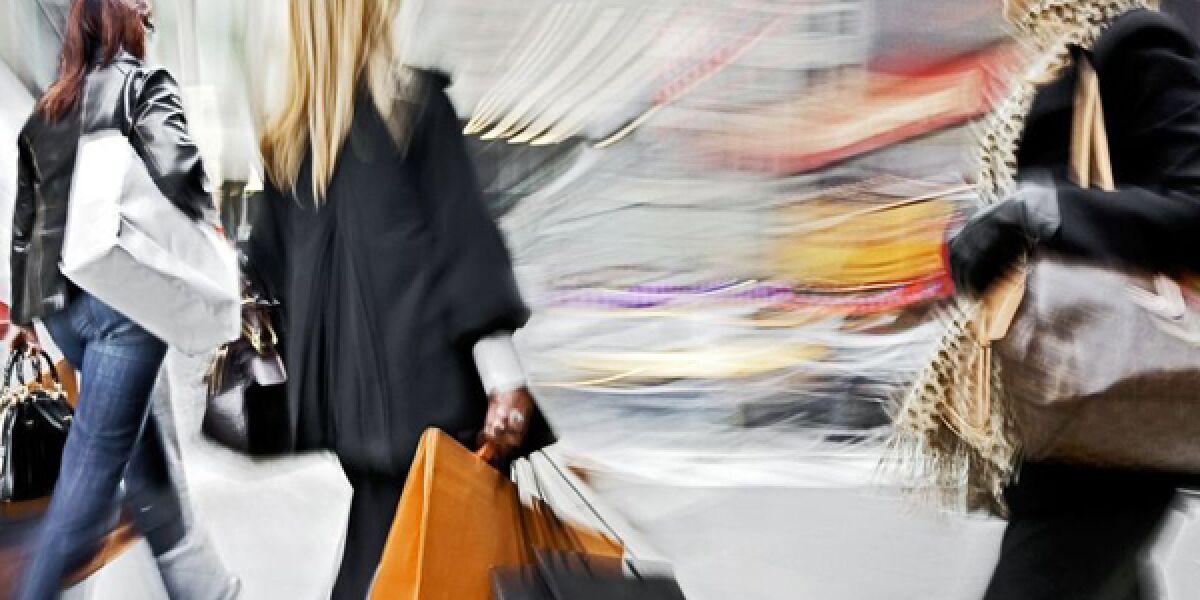 Frauen beim Einkauf