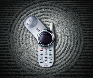 Das Motorola V70