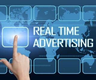 Schriftzug Real Time Advertising Hand