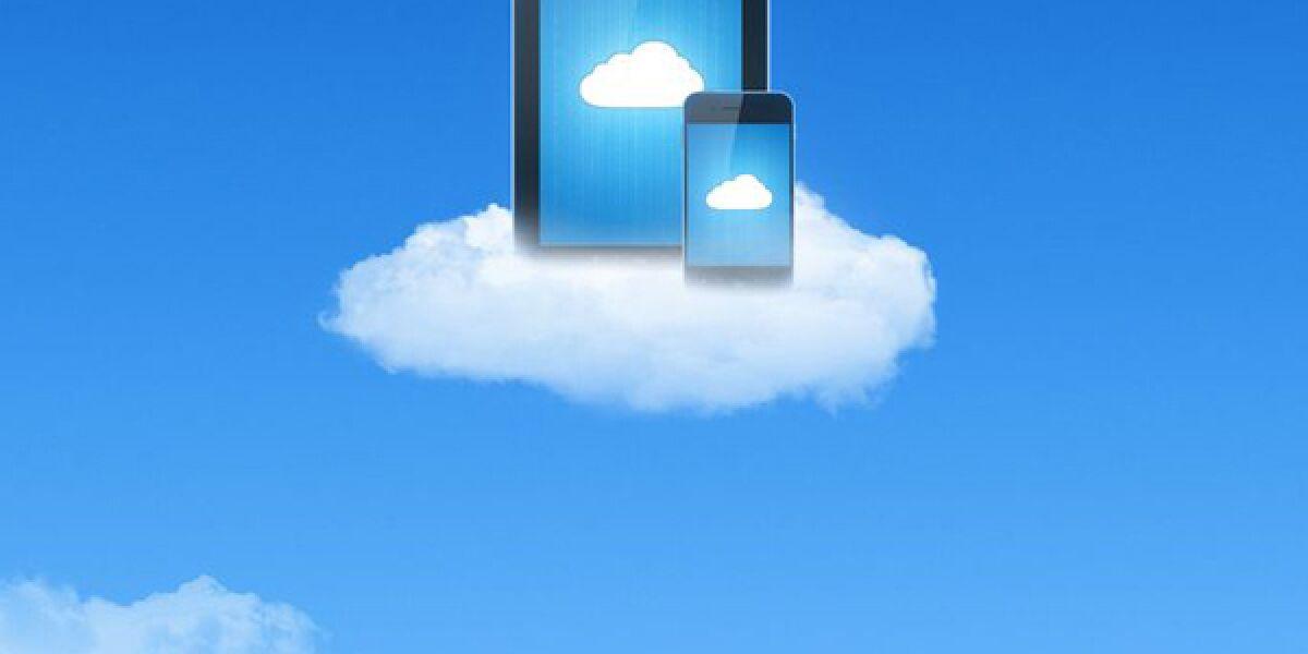 Smartphone und Tablet auf Wolke