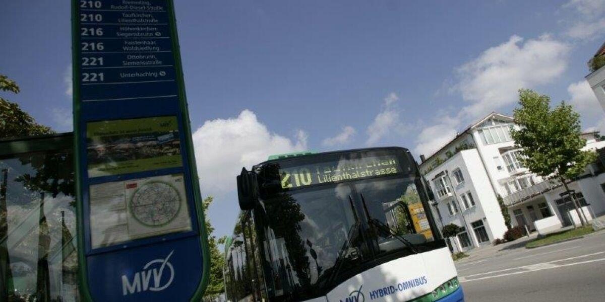 Viele Deutsche wollen im Bus ihre Tickets mit dem Smartphone bezahlen