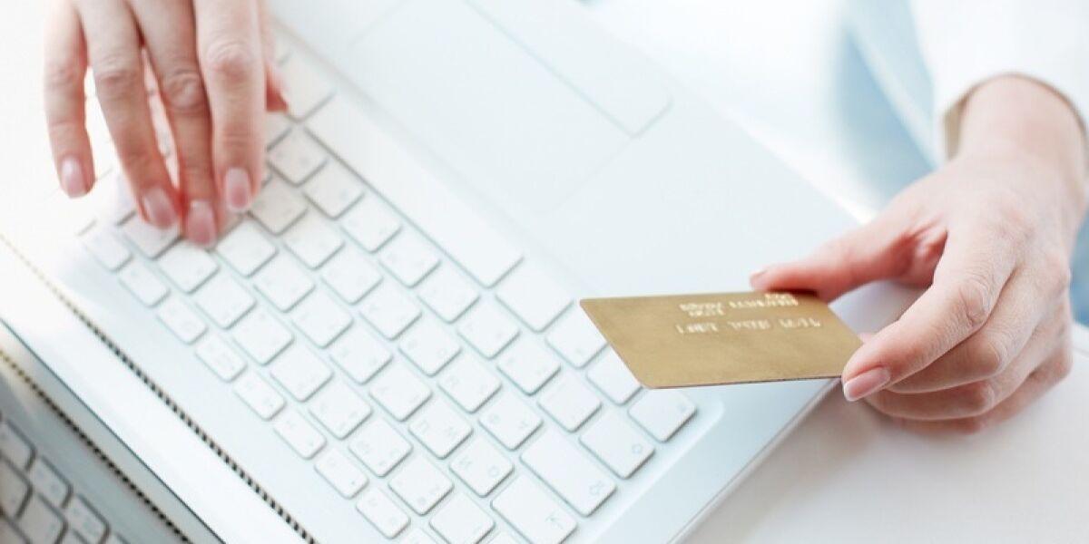 Tastatur Kreditkarte Haende