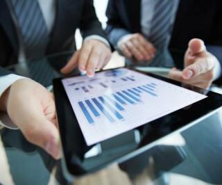 Mobile-Strategie Tablet Hände