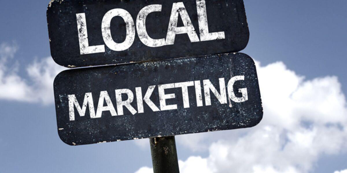 Schild mit Aufschrift Local Marketing