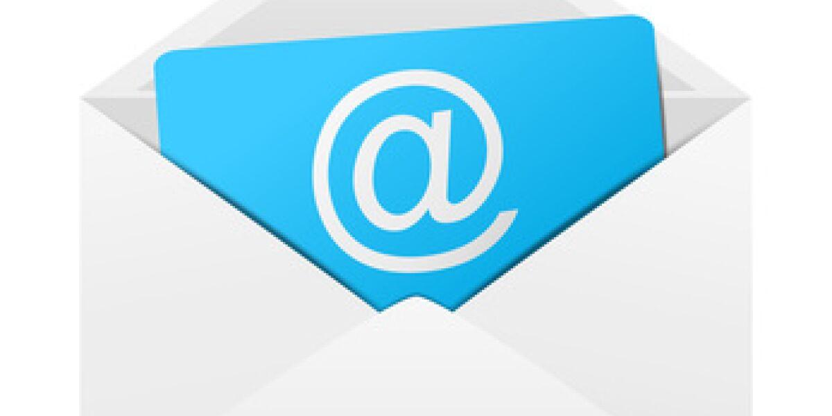 Weißer Brief mit @-Zeichen