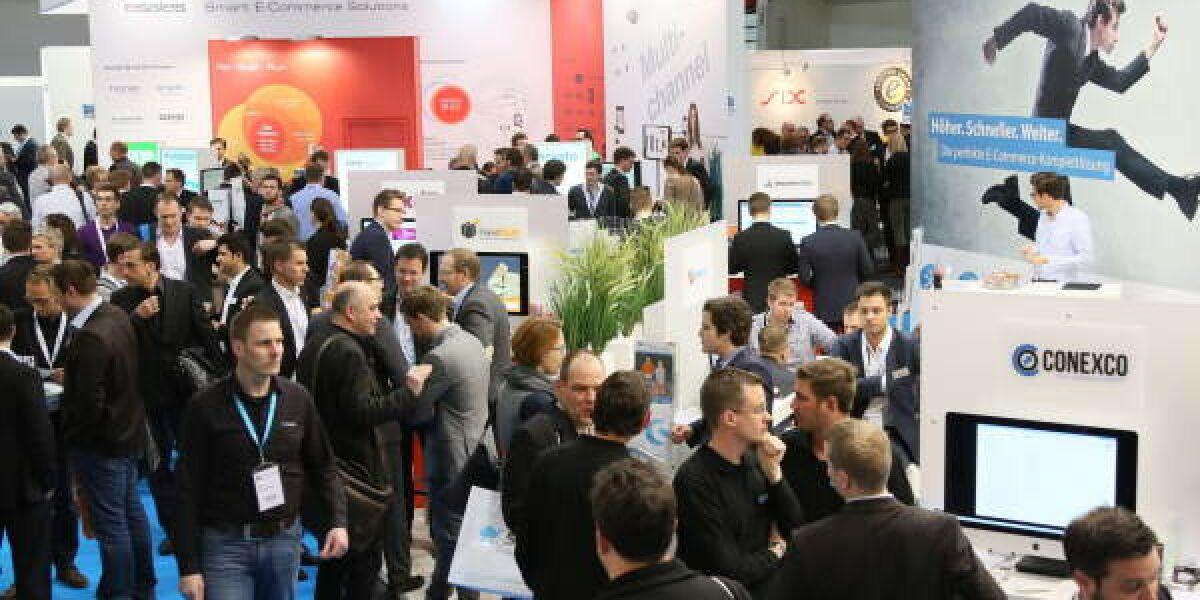 Viele Besucher auf der Internet World Messe