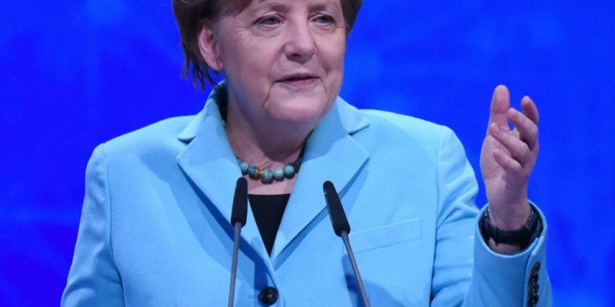 Bundeskanzlerin Angela Merkel eröffnet die CeBIT