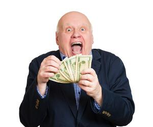 Mann freut sich über Geld