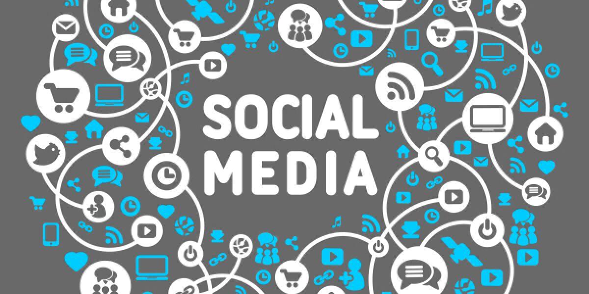 Kreis und in der Mitte steht Social Media