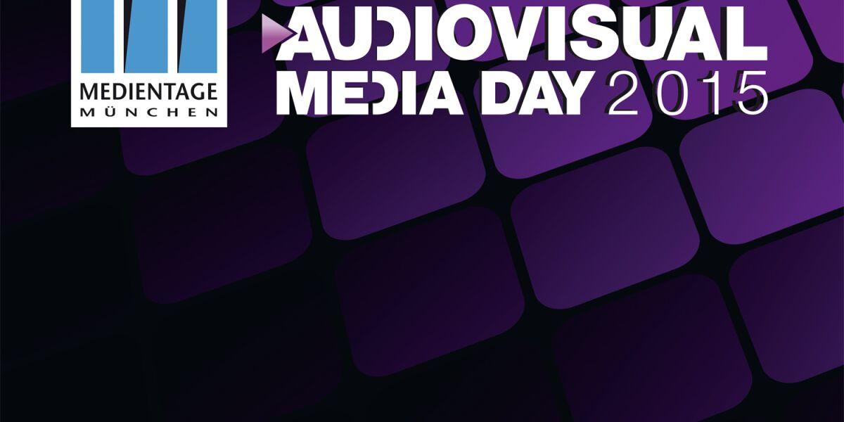 Auf lila Untergrund der Schriftzug Adiovisual Media Day 2015