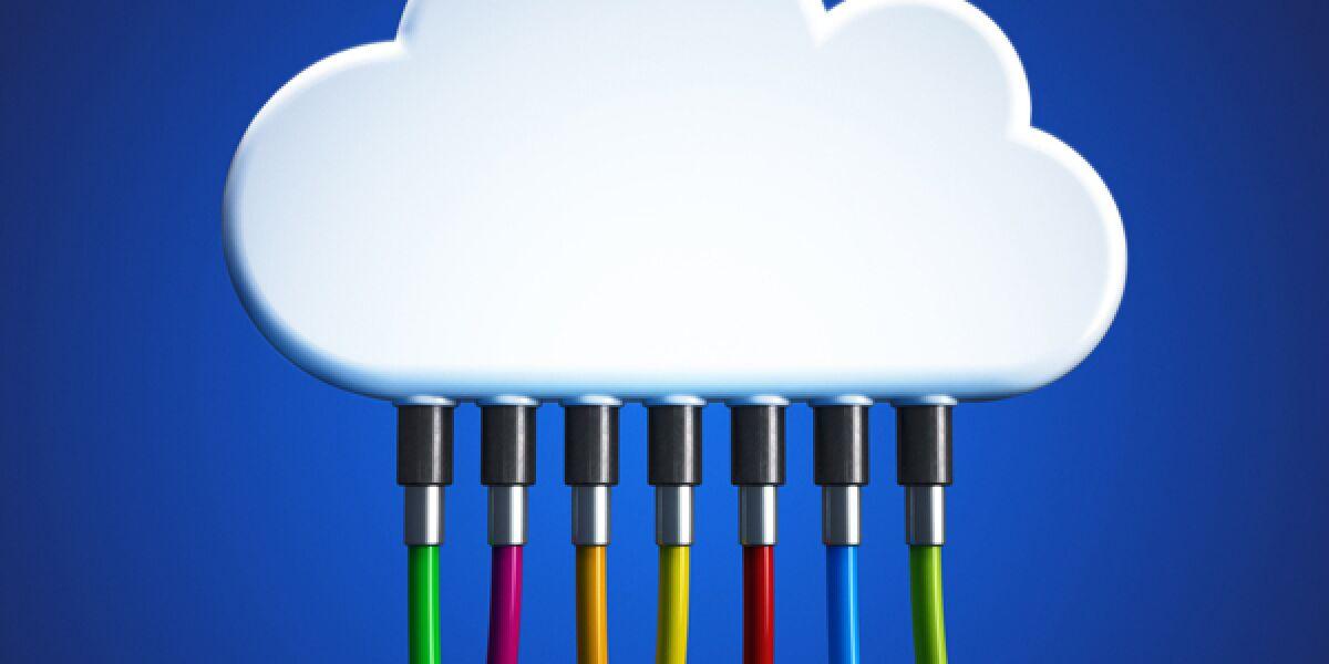 Wolke mit Kabeln