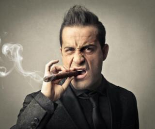 Mafioso mit Zigarre