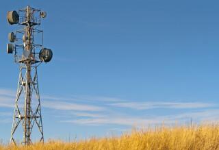 Antennenmast auf dem Land