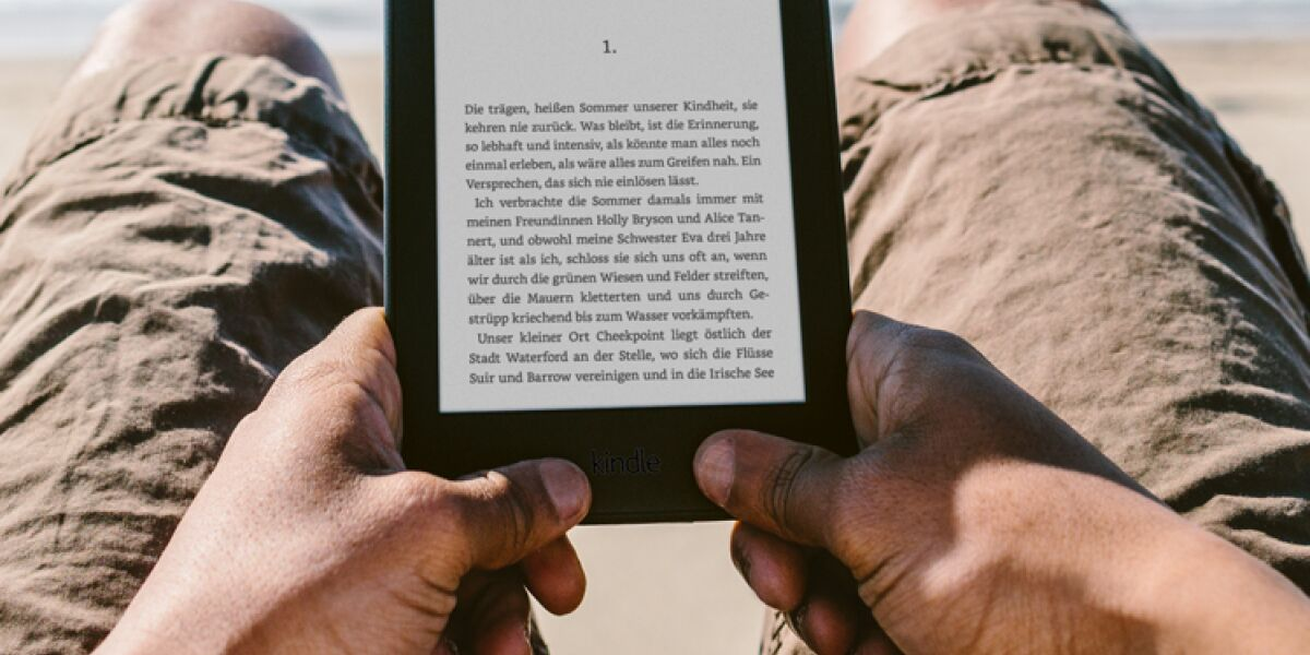 Amazon Kindle Paperwhite am Strand